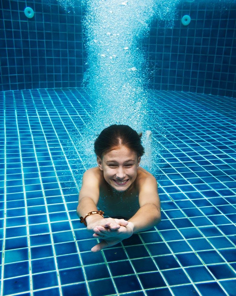 swimmingpool-contact-pic1